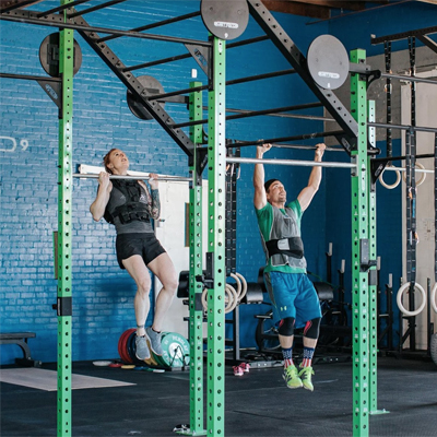 WOD partner training pull-ups